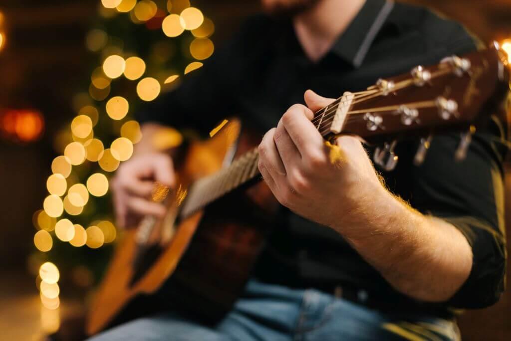 Liebeslieder auf Gitarre
